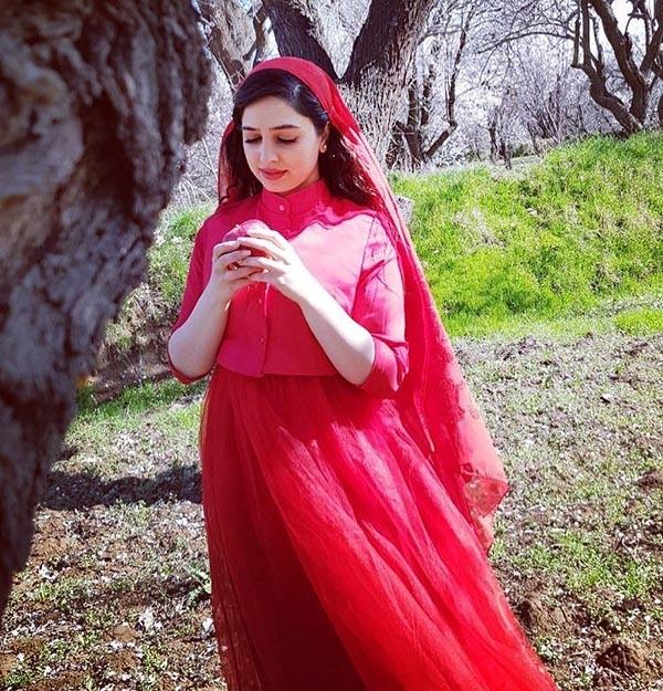 تصاویر اینستاگرام زهره نعیمی با بیوگرافی